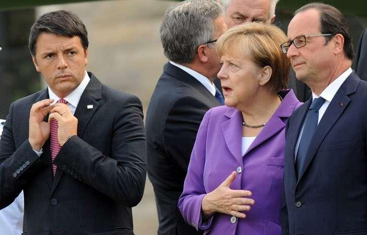 Премьер-министр Италии Маттео Ренци,канцлер ФРГ Ангела Меркель и президент Франции Франсуа Олланд