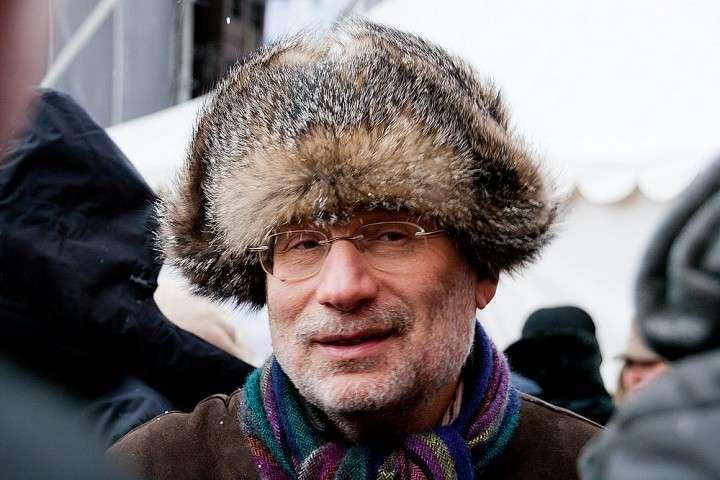 Почему Борис Акунин умнее Григория Чхартишвили