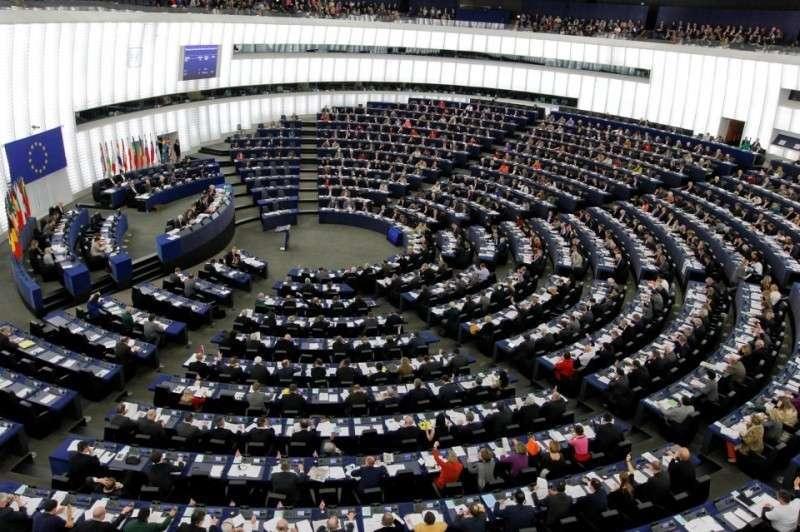 Депутаты Европарламента хотят отложить подписание договора с Украиной