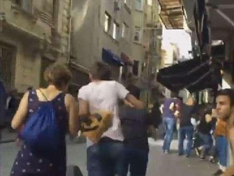 В Стамбуле полиция разогнала парад педерастов слезоточивым газом