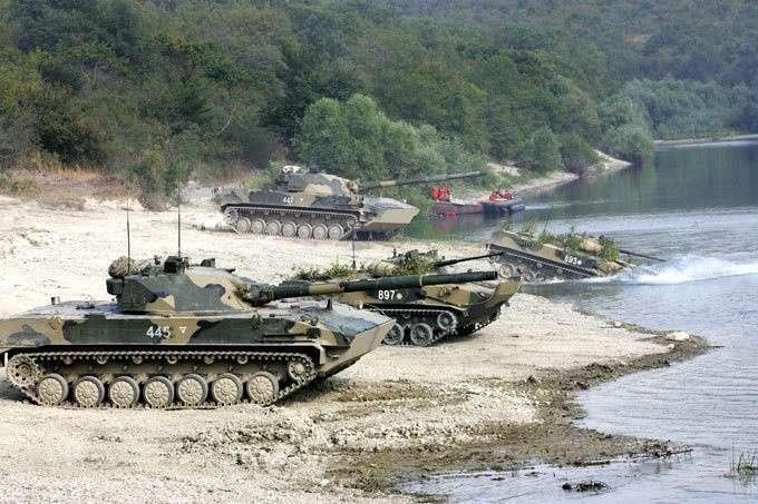 Подразделения ВДВ усиливают танками и самоходными артиллерийскими установками