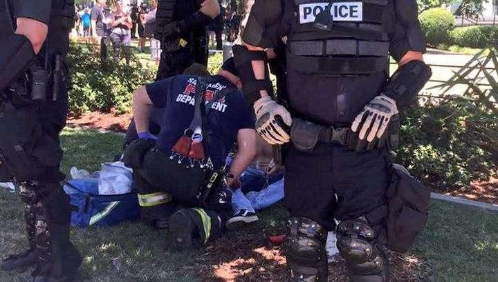 Митинг в Калифорнии закончился массовыми беспорядками
