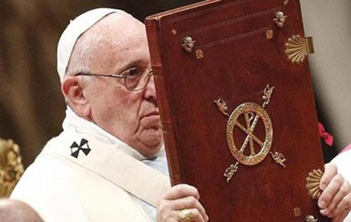 Папа римский сдуру заявил, что христиане обязаны извиниться перед гомосексуалистами