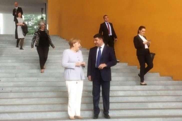 Меркель объяснила украинцу Гройсману, что в ЕС «цеевропы» не будет никогда