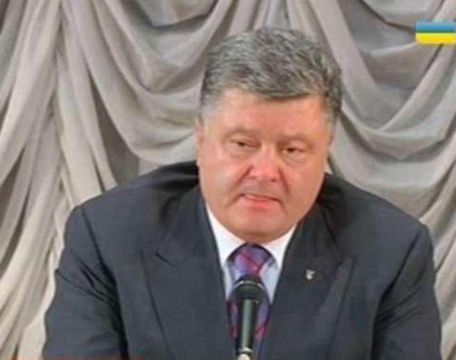 Самозванец Порошенко заявил об отказе выполнять «Минск»