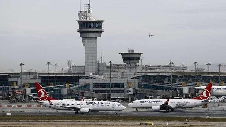 Два взрыва прогремели в аэропорту Стамбула, слышны выстрелы