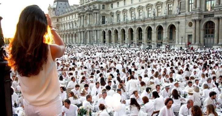 Мечта романтика: как попасть на тайный «ужин в белом»