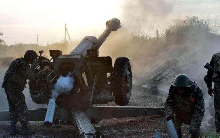 Обстановка в Донбассе стала критической: ДНР обстреляли 800 раз за сутки