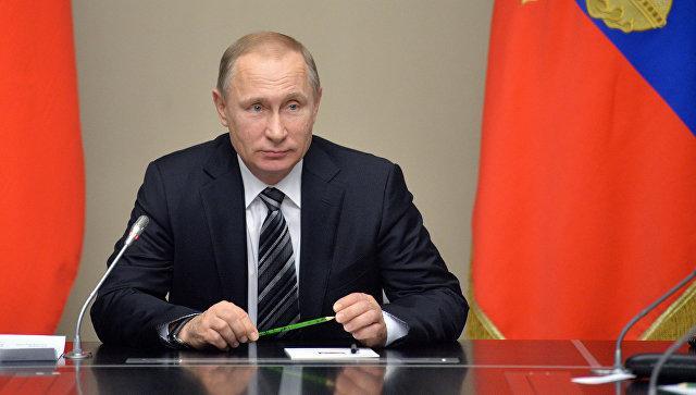 Владимир Путин продлил эмбарго, введённое в ответ на санкции Запада, до 2018 года