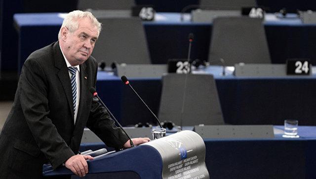 Президент Чехии призвал провести референдум по членству в ЕС и НАТО