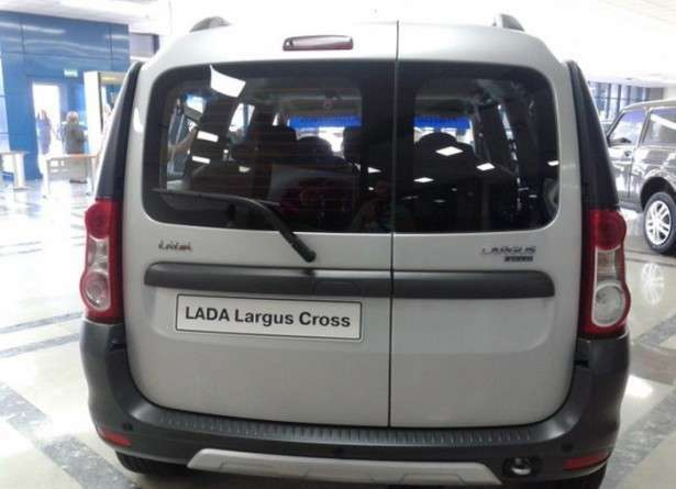 АвтоВАЗ презентовал Lada Largus Cross