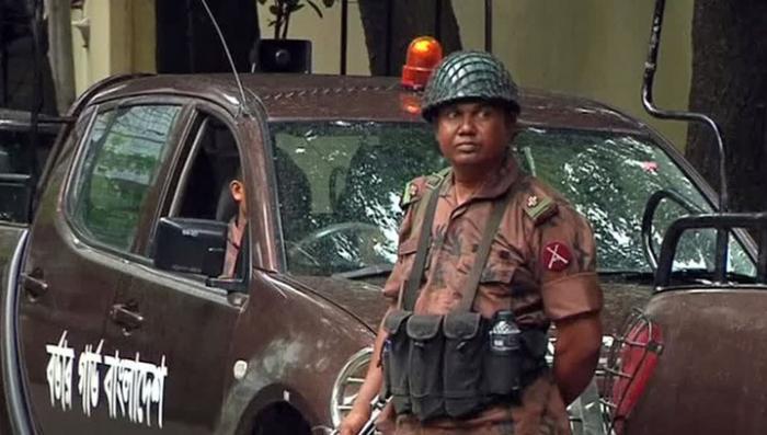 В Бангладеш завершена операция по освобождению заложников, террористы ликвидированы