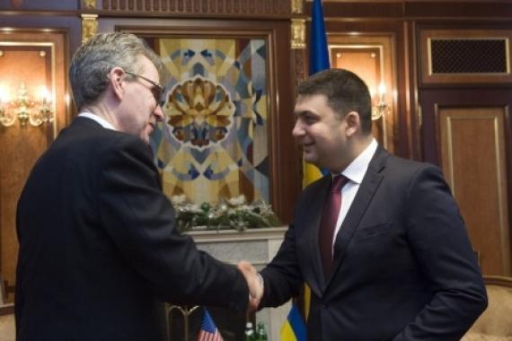 США похвалили самозванца Гройсмана за геноцид украинцев