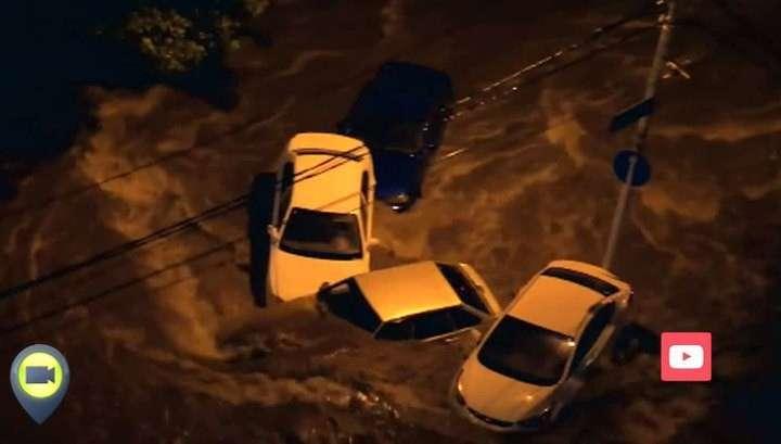 В Ростове-на-Дону целые кварталы превратились в глубокие водоёмы