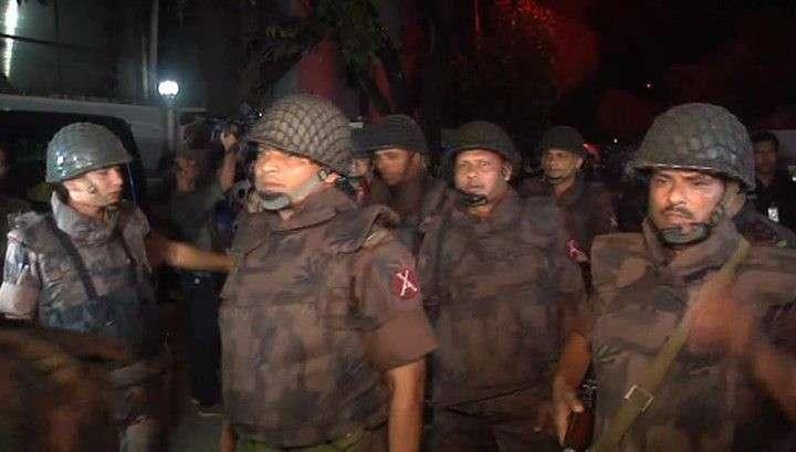 Бойню в ресторане Дакки устроили образованные и обеспеченные террористы