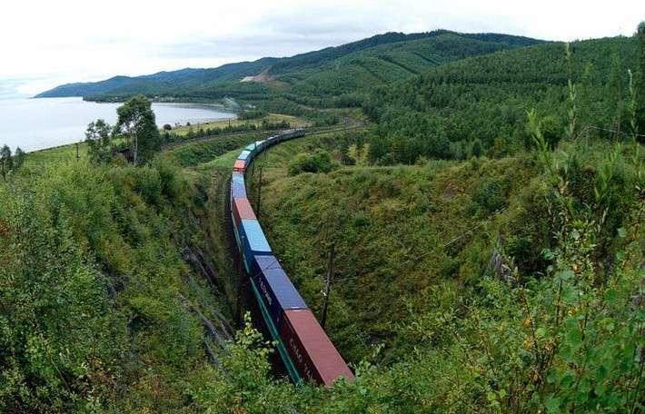Средняя скорость контейнерного поезда на ДВЖД за 10 лет выросла в 1,5 раза