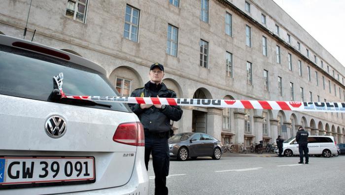 В Копенгагене мигранты облили девушек кислотой, проезжая мимо на машине