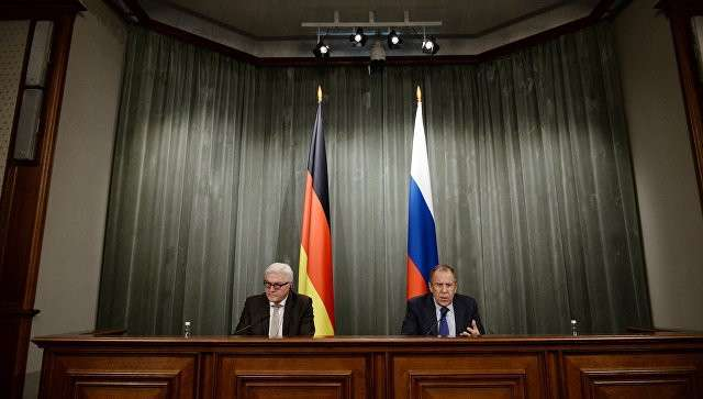 Главы МИД Германии и России Франк-Вальтер Штайнмайер и Сергей Лавров. Архивное фото