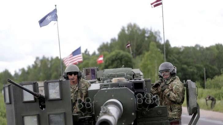 Депутат бундестага: НАТО превращается в альянс с имперскими амбициями