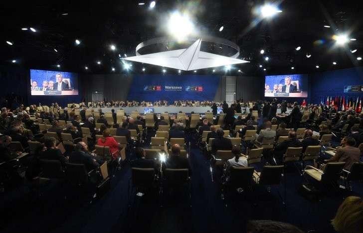 Лидеры НАТО поддержали проведение Совета Россия-НАТО и не приняли других решений по России
