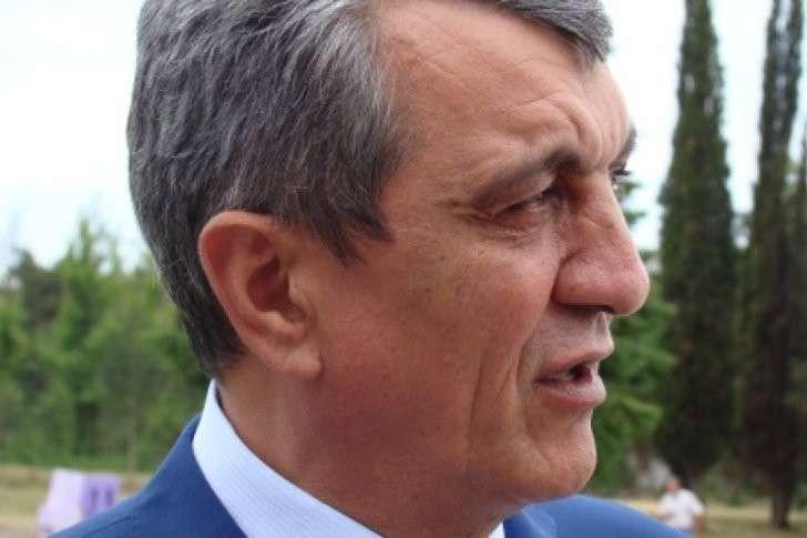 Севастопольский губернатор не уважает российский выбор Крыма?