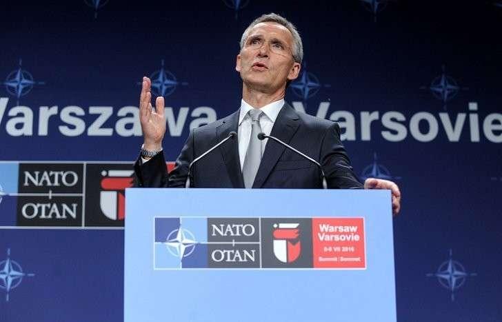 Саммит НАТО о России: миролюбивые слова и воинственные документы