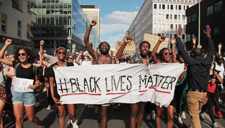 Протесты в США: демонстрация в защиту прав тёмнокожих закончилась беспорядками