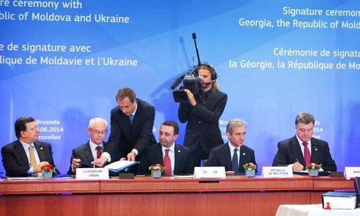 Секта свидетелей Евросоюза. Как признался президент Украины, ассоциация с ЕС - это вопрос веры