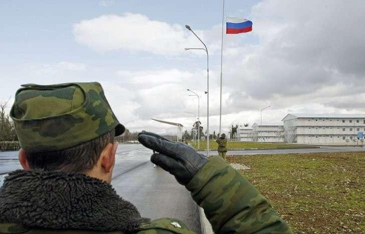 Кабмин направил на ратификацию документ об объединенной группировке войск ВС РФ и Абхазии
