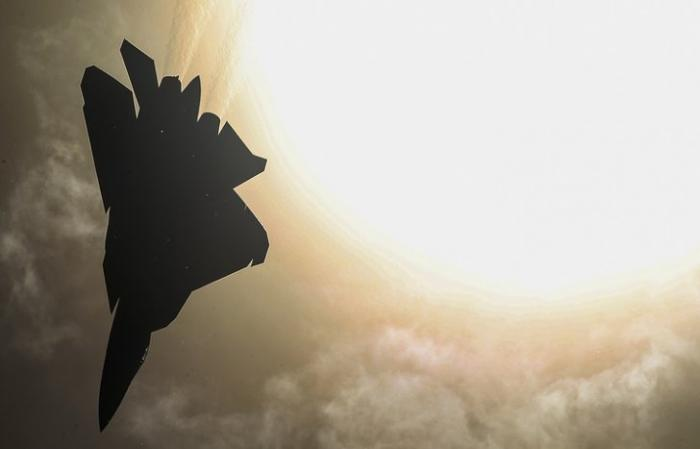 Беспилотные истребители шестого поколения получат мощное СВЧ-оружие