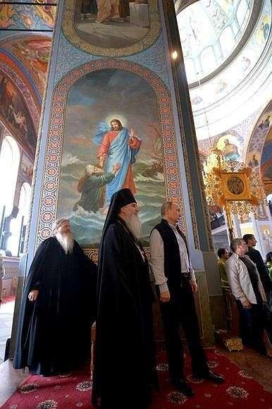 Наторжественной литургии вСпасо-Преображенском соборе Валаамского монастыря.