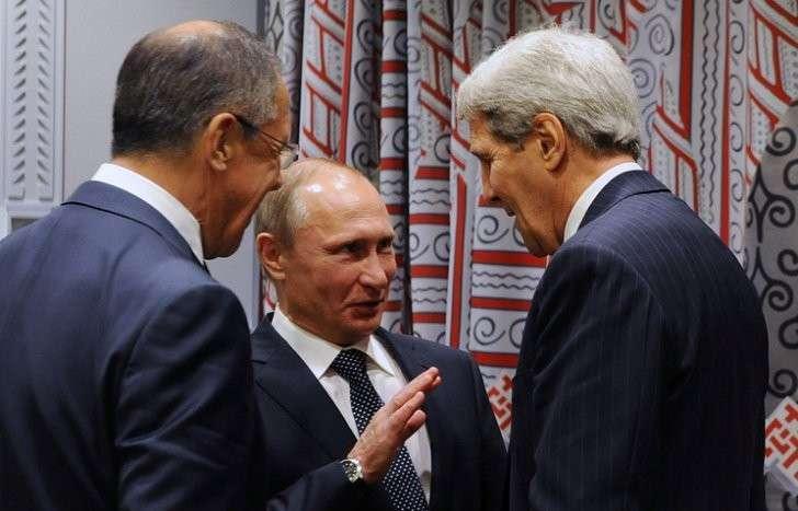 Глава МИД РФ Сергей Лавров, президент России Владимир Путин и госсекретарь США Джон Керри, 2015 год