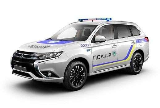 Украинские копы-убийцы продолжают разбивать полицейские авто и убивать украинцев