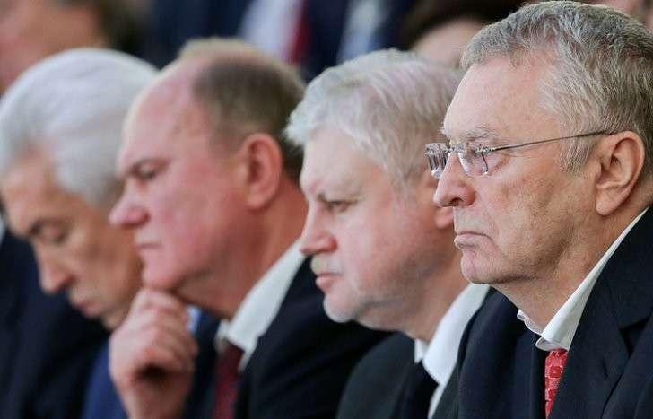Владимир Путин обсудит с лидерами фракций итоги работы Госдумы шестого созыва и предстоящие выборы