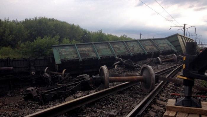 Из-за схода вагонов под Нижним Новгородом задерживаются 10 поездов