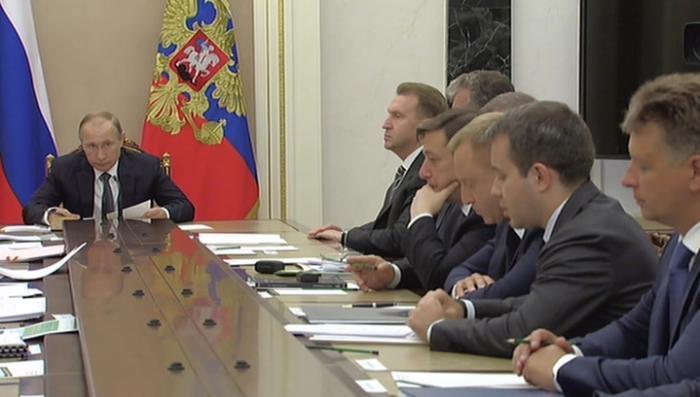 Владимир Путин поручил подготовить оборудование для реализации «пакета Яровой»