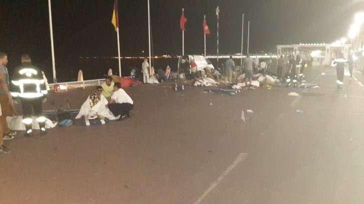 Теракт в Ницце: 84 человека погибли, Франция в трауре