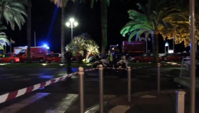 Вместе против терроризма: жители Ниццы поддерживают друг друга