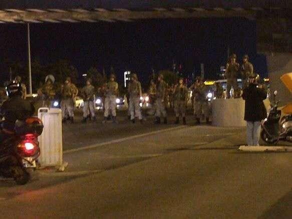 Военный переворот в Турции. Хроника событий. Армия заявила о смещении Эрдогана