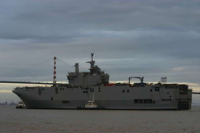 Российские моряки прибыли во Францию для освоения «Мистралей»