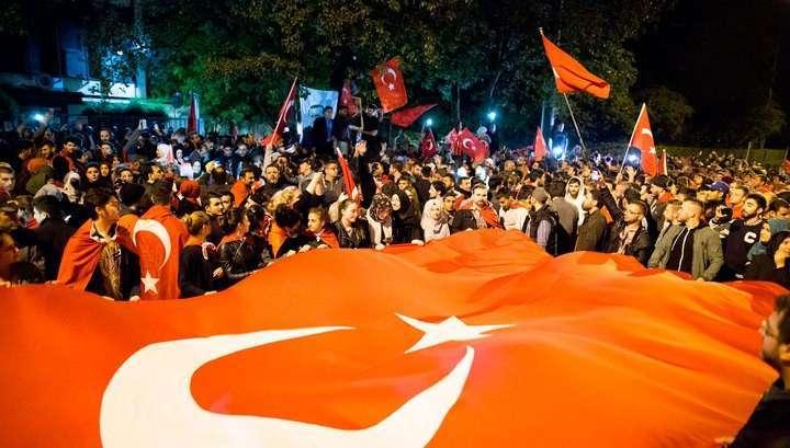 Жертвами мятежа в Турции стали 90 человек