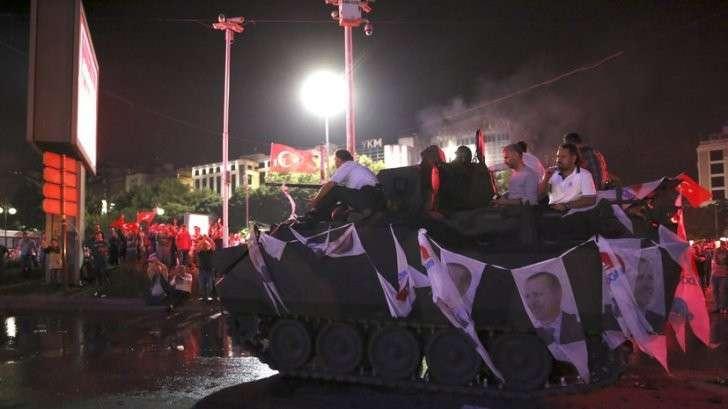 Чистка вооружённых сил: эксперты о причинах мятежа и его последствиях