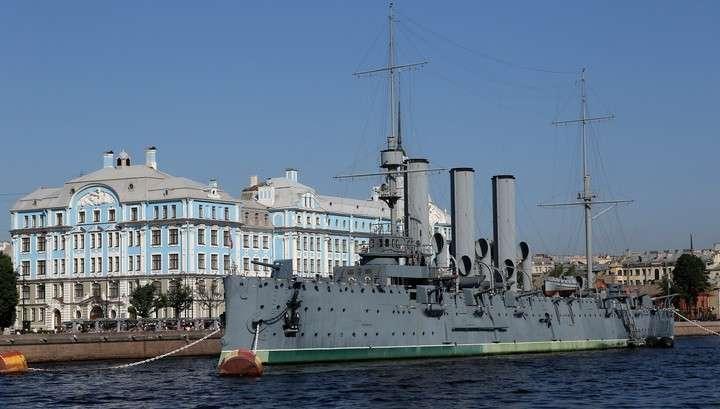 «Аврора» вернулась в Петербург после двухлетнего ремонта