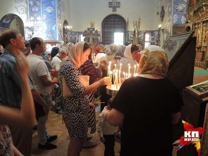 Поминальная служба о погибших прихожанах Николаевского кафедрального собора в Ницце Фото: Дарья АСЛАМОВА