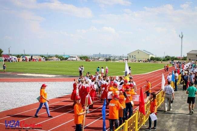 В посёлке Бреды Челябинской области открыт новый футбольный стадион