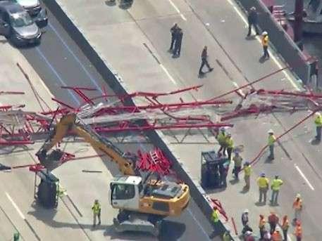 Строительный кран рухнул на мост в Нью-Йорке