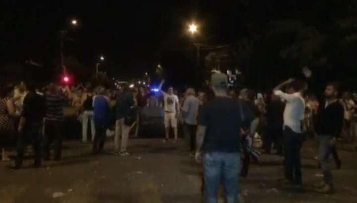 Армянская полиция разогнала сборище протестующих в Ереване