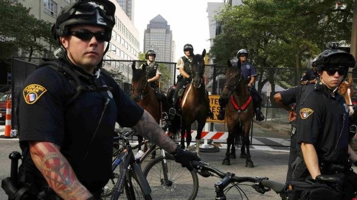 Полиция США осуществляет агрессивный надзор за темнокожими гражданами