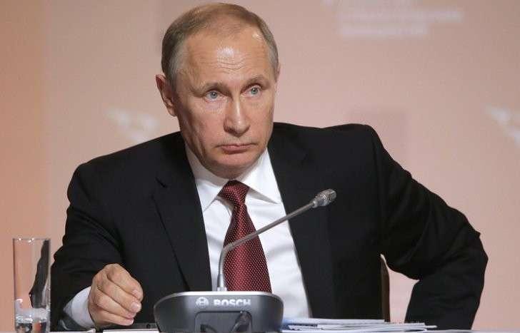 Владимир Путин обсудит с Кабмином совершенствование контрольно-надзорной деятельности