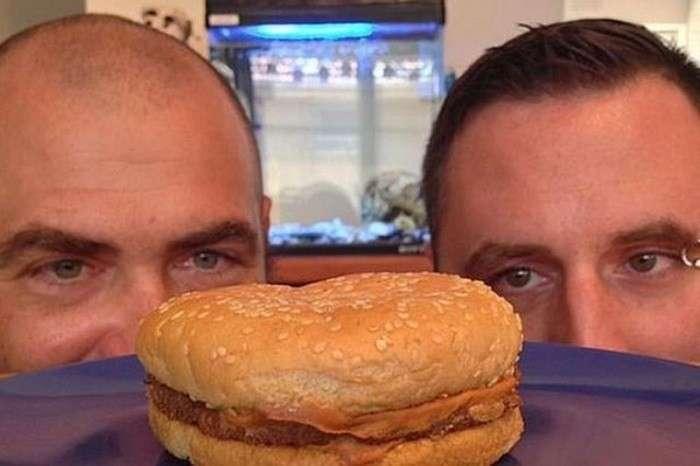Гамбургеры из Макдональдса не портятся десятилетиями